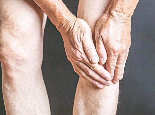 bệnh đau nhức xương khớp ở người già
